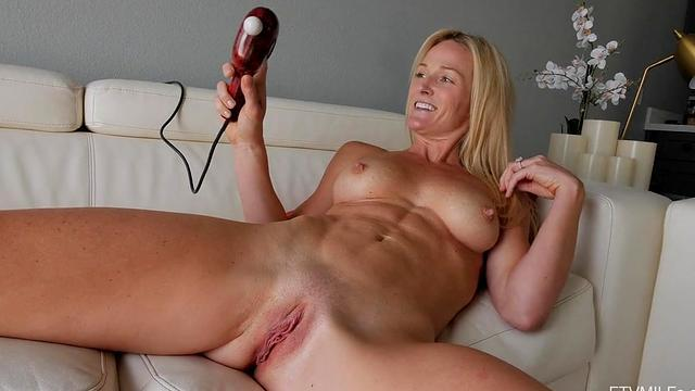 mature oral deepthroat